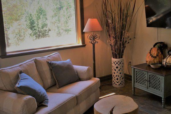 cottage_livingroom